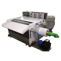 Horizontal ice flake machines